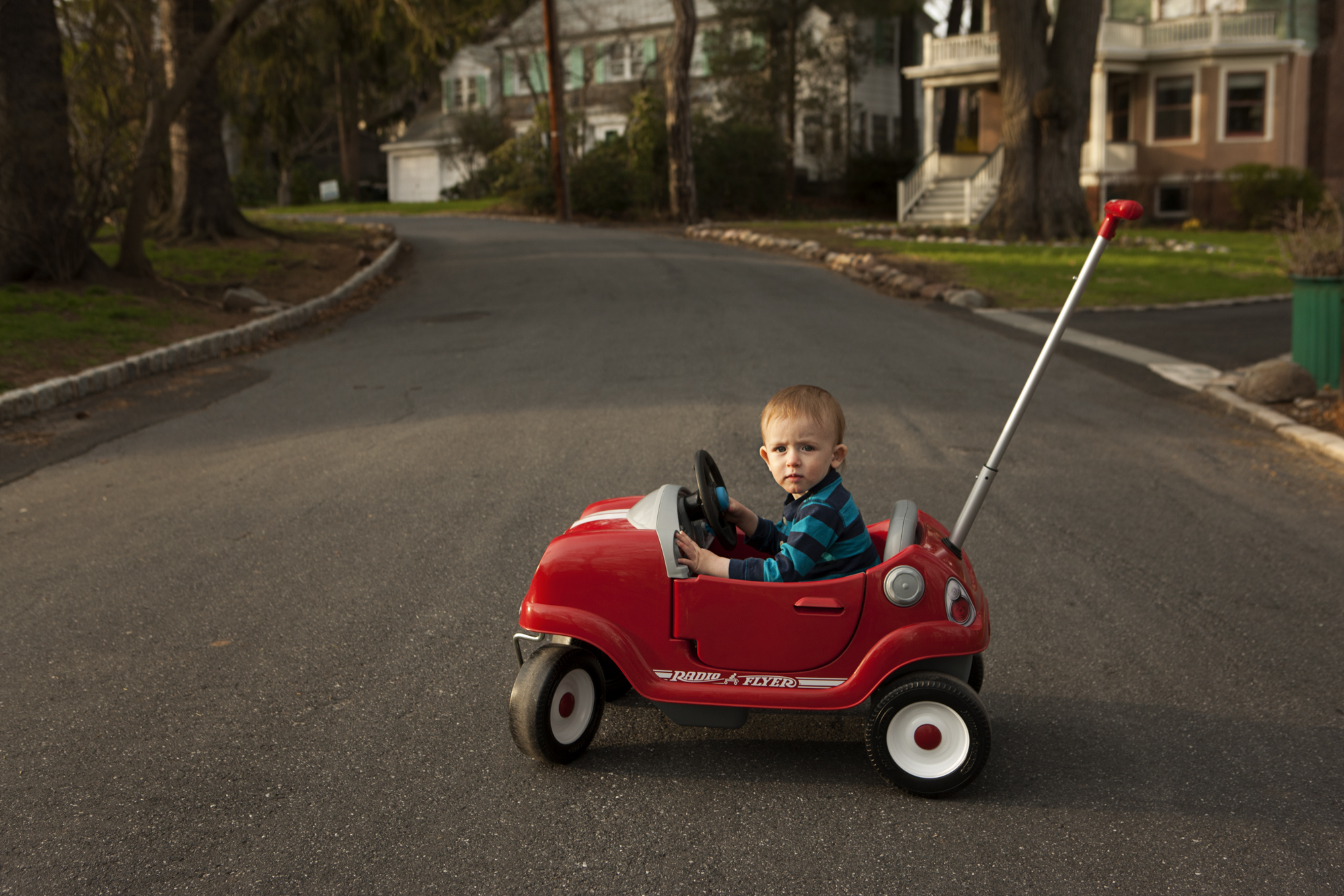 moving kids out of their usual environment causes disorientation both for them and for the viewer if my son had just been playing in his plastic car in